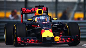 Megtette az első kört a szélvédős Red Bull