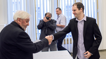 Hevesi Endre-díjat kapott Hanula Zsolt, az Index újságírója