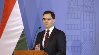 Debrecen polgármestere szerint is abszurdum vízivásért bírságolni