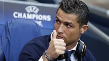 C. Ronaldo elkezdett edzegetni