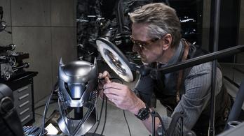Jeremy Irons visszatér a szuperhősök világába