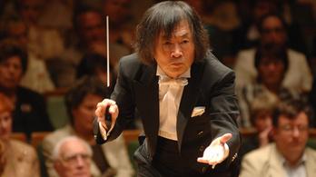 Kobajasi Kenicsiró a Nemzeti Filharmonikusokkal