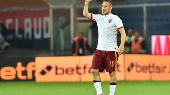 Totti akkora szabadrúgásgólt lőtt, hogy majd' kiszakadt a háló