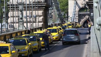 Újra tüntetnek a taxisok délután