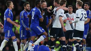 Egészben nyelte le a legjobb angol bírót a Chelsea–Tottenham-háború