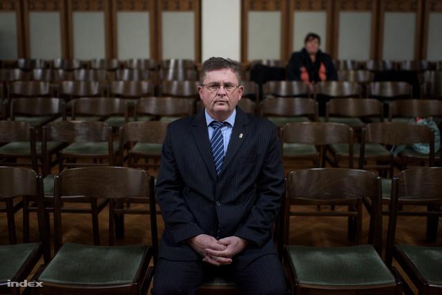 """A """"vak komondoros"""" Balogh József tárgyalása 2015 novemberében"""