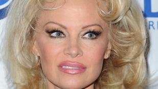 Pamela Anderson a régi önmagát idézte Cannes-ban