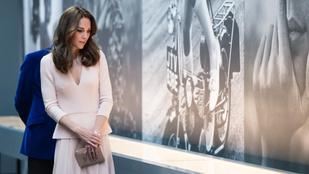 Alexander McQueenben tekintette meg Katalin saját magát