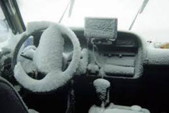 Dől a hideg az Avensisbe