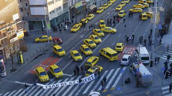 A taxisok kedden Ferihegyet torlaszolják el
