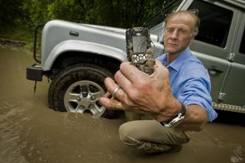 Mobiltelefonhoz adja a nevét a Land Rover