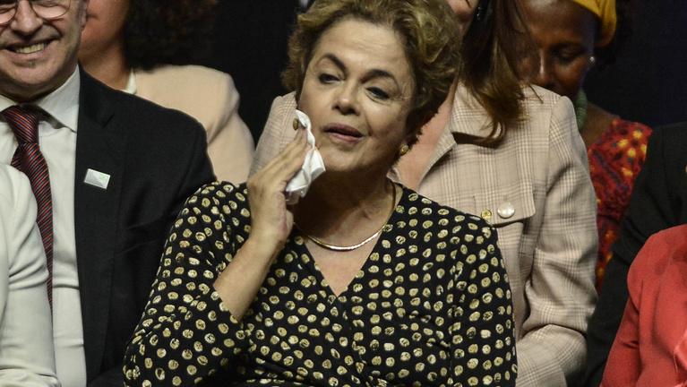 3 hónappal az olimpia előtt Brazíliában teljes a politikai káosz, felfüggesztették az elnököt