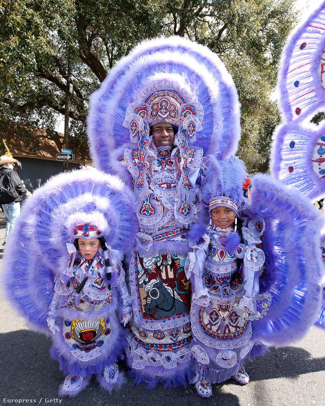 Hagyományörző indiánok New Orleansban.