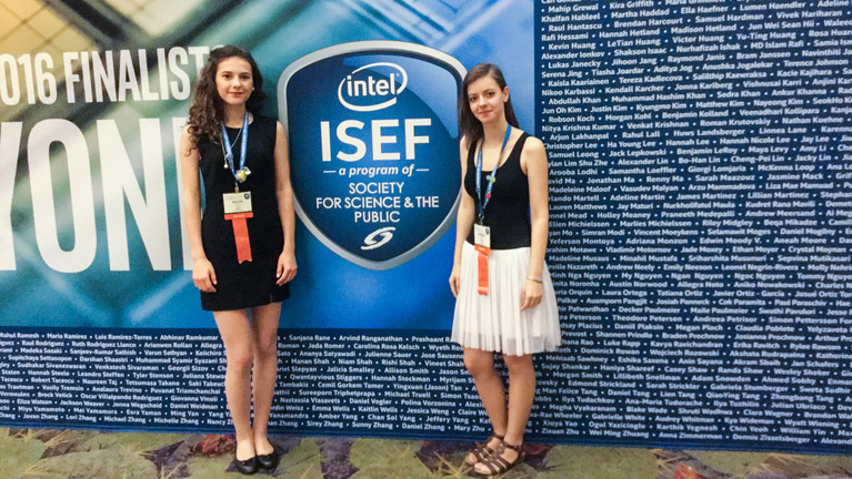 Különdíjas egy magyar diáklány az Intel innovációs versenyén