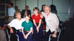 Itt egy eddig nemigen látott fotó Diana hercegnéről és fiairól