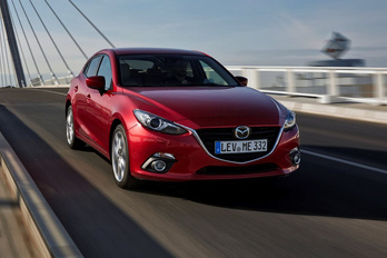 Szupertakarékos motort kap a Mazda 3