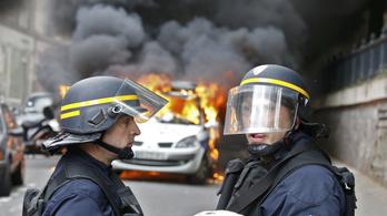 Lángokban áll Franciaország