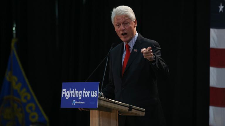Amerikai magyar és lengyel szervezetek tiltakoznak Clinton ellen