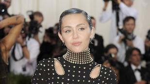 Miley Cyrus az apja szerint nagyon boldog Liam Hemsworthszel