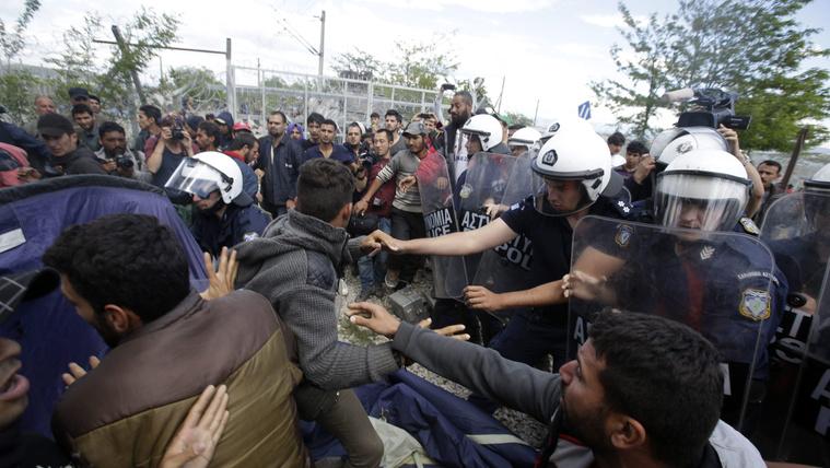 Napokon belül kiürítik az idomeni menekülttábort