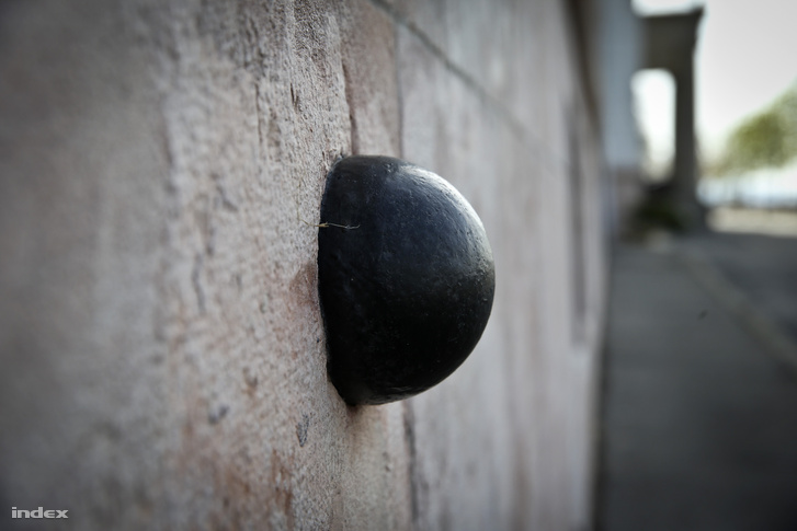 Az 1849-es ostrom nyomait máig megőrizték a falak