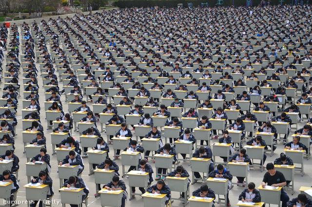 Képünk illusztráció, egyébként kínában készült egy tömeges iskolai felmérőn.