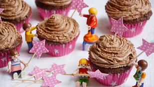 Pénteki süti: triplacsokis cupcake gyereknapra