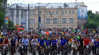 Moszkvát is megostromolták a biciklisek