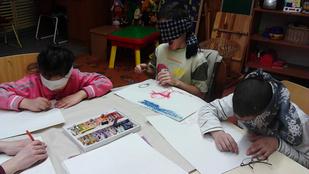 Akik a vak gyerekekkel is rajzolnak - interjú