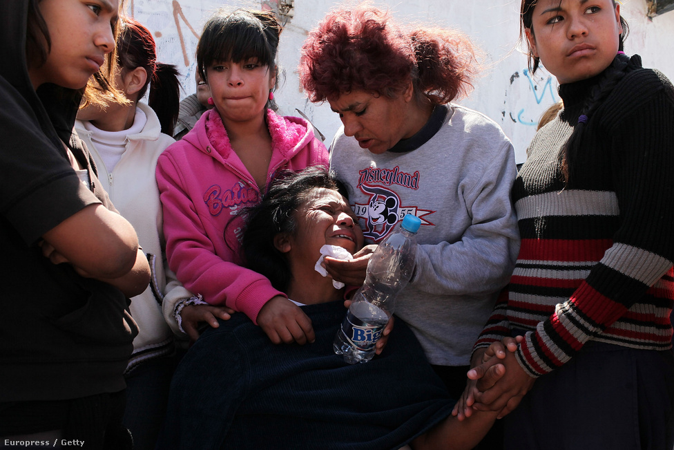 Jesusita Cardoza, miután meggyilkolták a 17 és 21 éves lányát. 2007 és 2014 között Mexikóban több civilt öltek meg (164 ezer), mint Afganisztánban (21 ezer) és Irakban (81,6 ezer) összesen.
