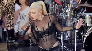 Gwen Stefani átlátszó bodyban nyomja le az új generációt