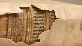 1300 éves írást találtak öreg könyvekbe ragasztva