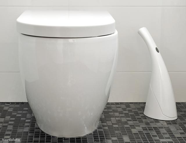 Horsman feltalálta a Loogun-t, avagy vécépuskát, ami egy erős vízsugárral intézi el a tisztogatást.