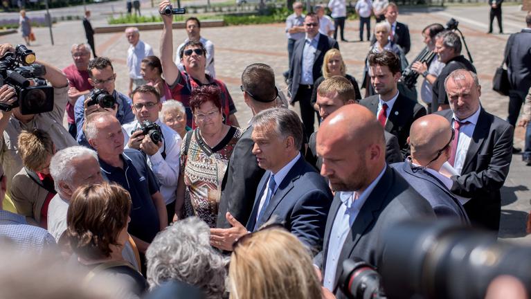Ha nem szeret Orbán, nem adja könnyen a milliárdokat