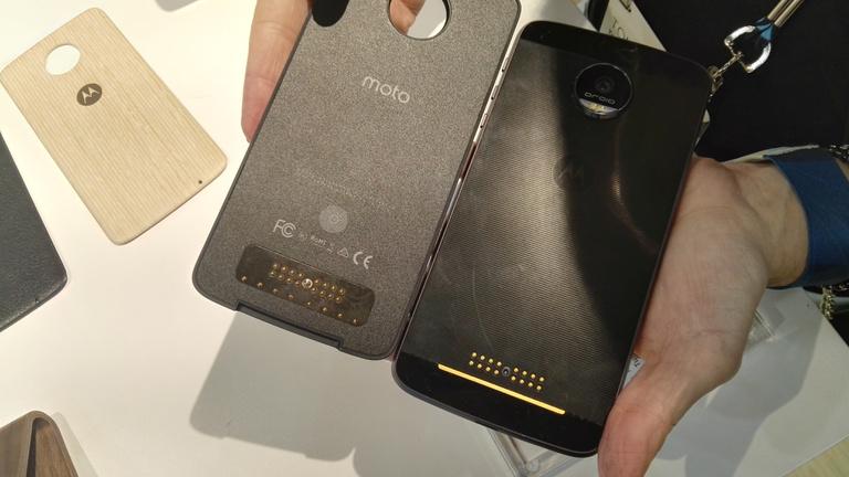 Kipróbáltuk a világ első darabokra szedhető telefonját