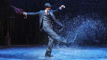 Milyen az, ha 4000 ember előtt elkezd szakadni az eső a színpadon?