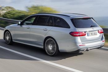 A Mercedes is terep-kombit tervez