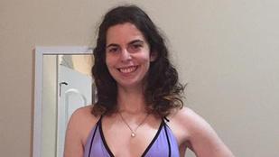 Ismerje meg a lányt, aki 21 évesen vette meg az első bikinijét!
