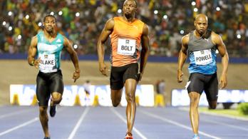 Usain Bolt botladozva is faképnél hagyja a mezőnyt