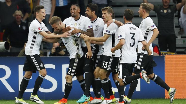 A németek a legjobb 16-ba vihetnek minket