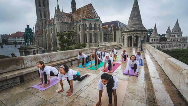 Ingyenes jógaórákkal dúsított indiai fesztivál a hétvégén