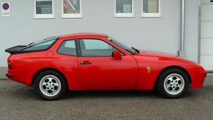 Porsche-vétel vajazott teflonon csusszanva