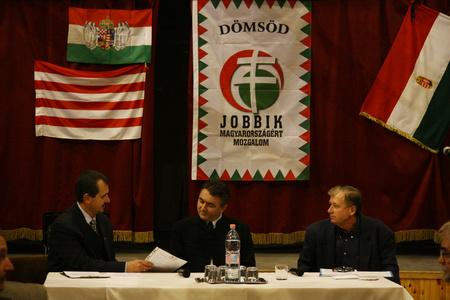 Gerecz Attila, Ifj. Hegedűs Lóránt és Sánta István, a Jobbik dömsödi elnöke