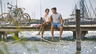Expressz nyaralás vízparton, két keréken