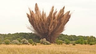 Valahogy így néz ki, amikor felrobban egy egytonnás bomba