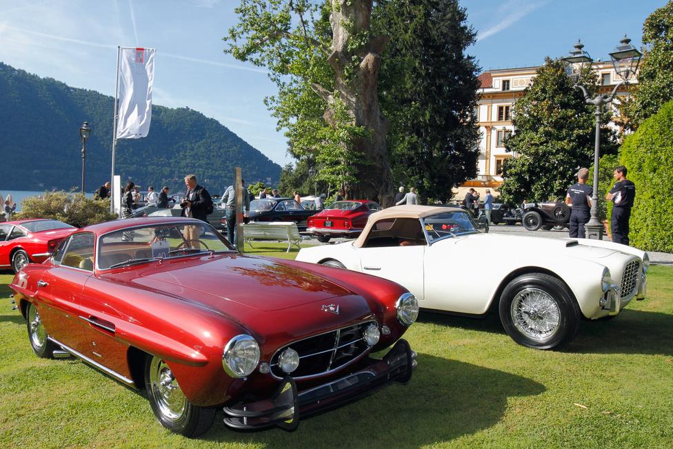 Olasz formák. A Fiat 8V Supersonic fantasztikus, 1954-ben készült, amikor mindent áthatott a jetkorszak légköre. Más kérdés, hogy a 14 legyártott példányból kettőt is megvásárló Lou Fageol vajon miért kért rá ilyen rettenetes lökhárítókat? A Siata 208 S modellből 35 készült, a legtöbbet az Egyesült Államokba adták el.A legtöbbjüket átépítették, V8-as motorral az eredeti Fiat helyére, alaposan feladva a leckét az eredeti állapotra törekvő restaurátoroknak