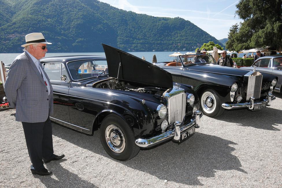 Bentley S2 Continental Fastback (1960) és Rolls-Royce Silver Cloud I (1958). Előbbi az egyetlen ilyen kocsi, a hajómágnás Onassis részére készítették. A karosszériát a H.J. Mulliner készítette, a motor nyolchengeres, 6230 köbcentis. A Rolls is egyedi darab, a rendkívül nagy csomagtartóval felszerelt kocsi kétüléses, a karosszéria a Freestone & Webb manufaktúra utolsó kreálmánya volt. Az autót Honeymoon Express néven ismerik