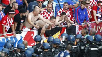 A horvátok kikészültek: Ezek nem drukkerek, hanem terroristák