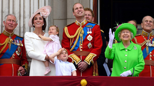 Zseniális, ahogy Erzsébet királynő jó modorra tanította Vilmos herceget