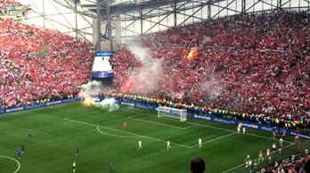 Görögtűzzel dobálóztak a magyarok a gól után
